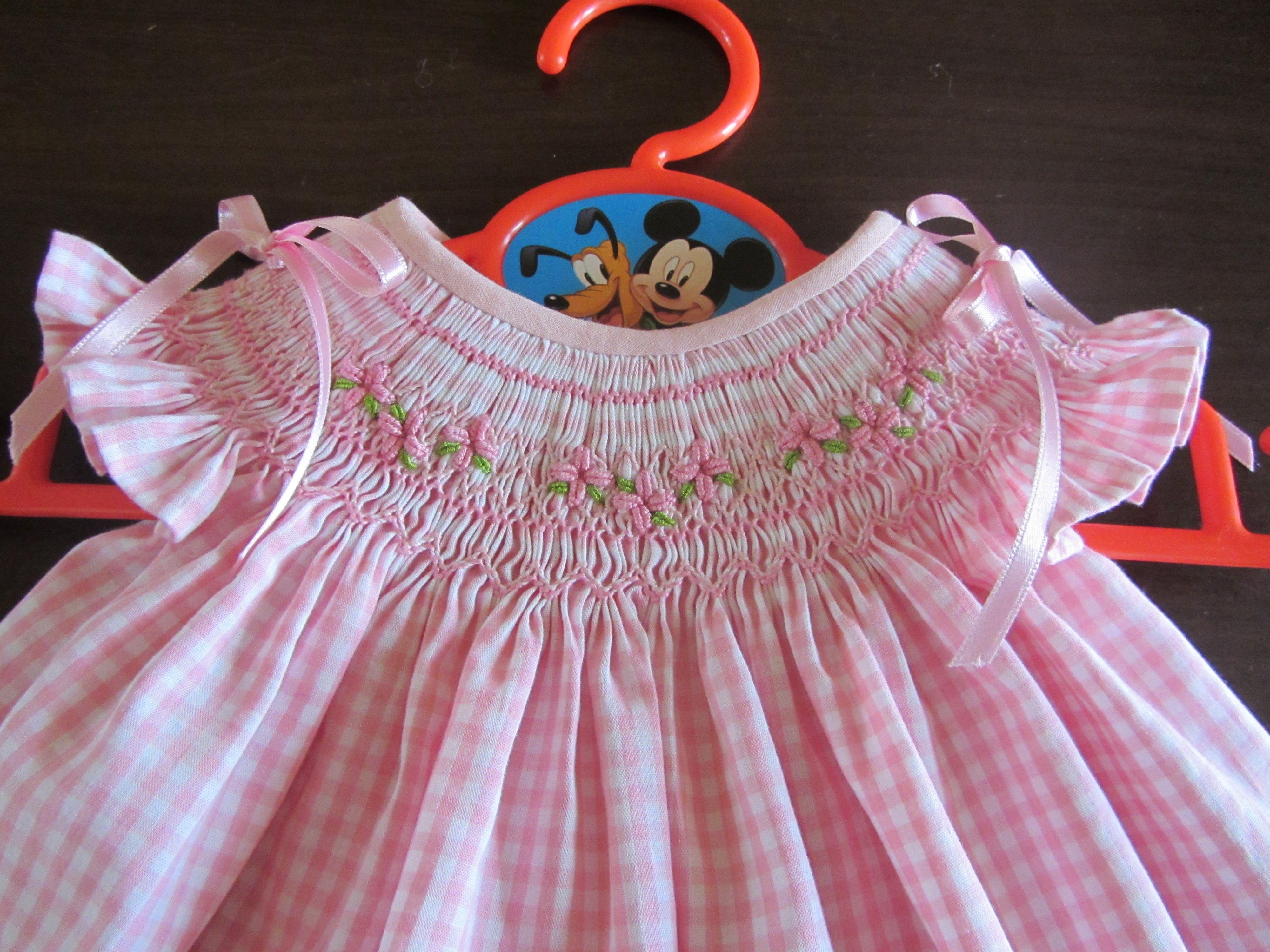 0676c32cf hecho a mano Vestidos Del Bebé Fruncidos