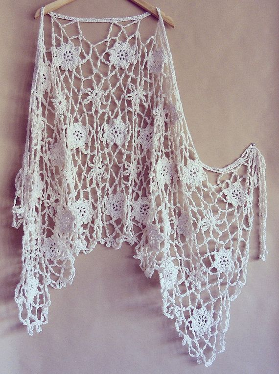 OOAK+ibiza+style+wedding+shawl+made+by+pipocass,+€65.00 / Latina
