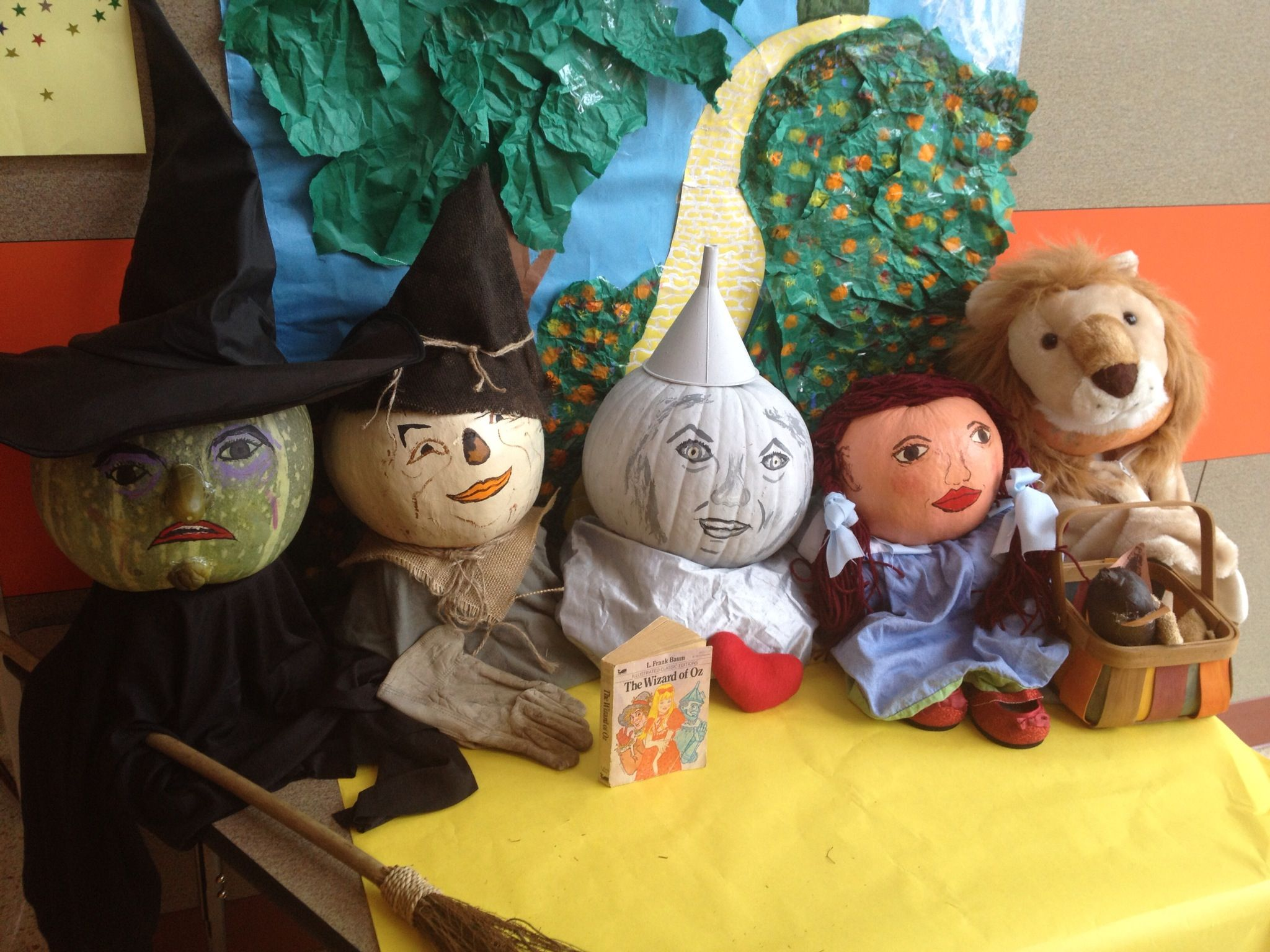 The Wizard of OZ Pumpkin decorating contest