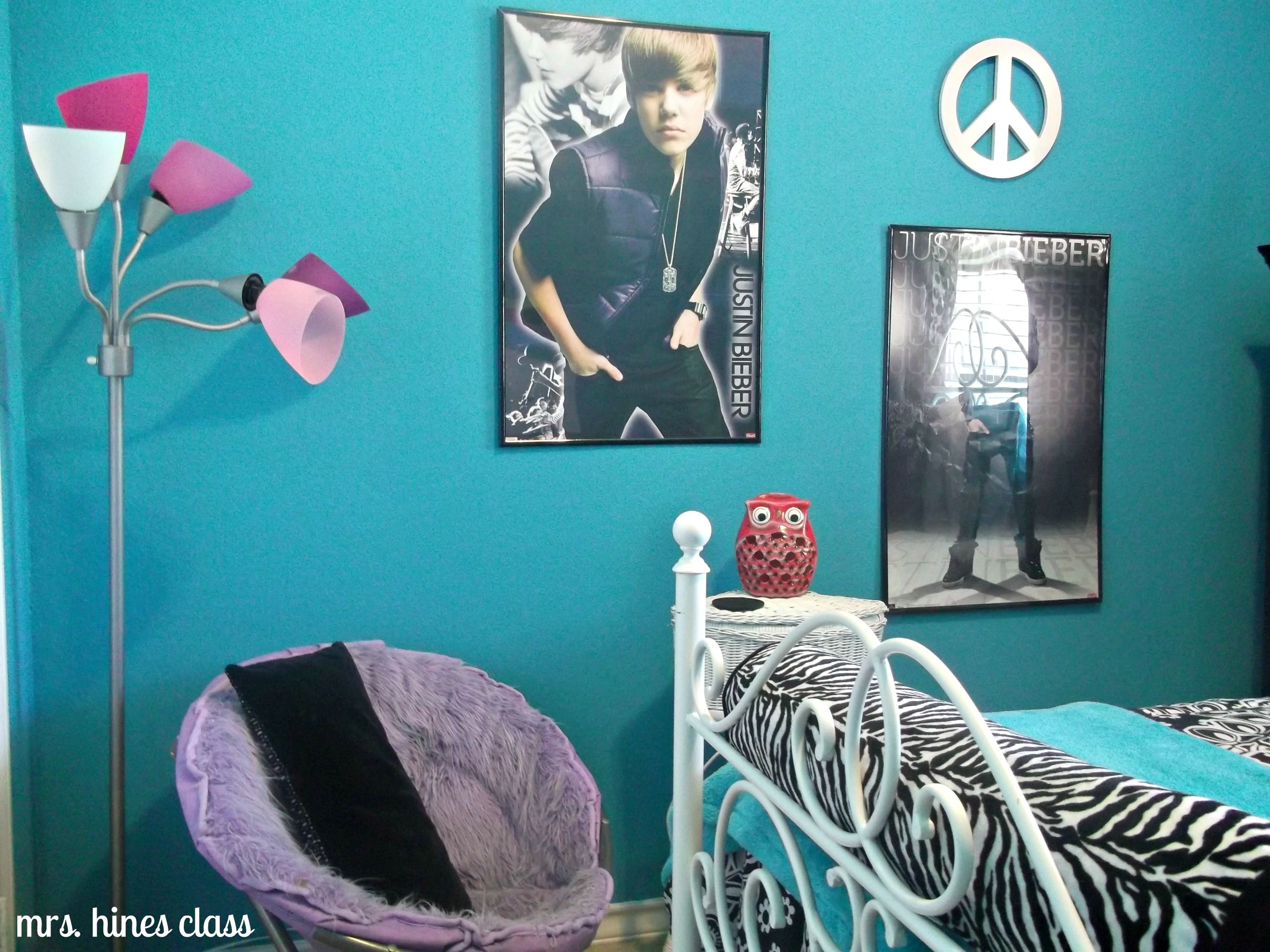 Teen girl 39 s room reveal girl room decor comforter and for Justin bieber bedroom ideas