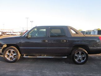 Check Out This 2004 Chevrolet Avalanche In Blue From Jm Motors In