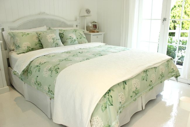 How To Dress And Layer Your Bed Great Ideas Diy Bed