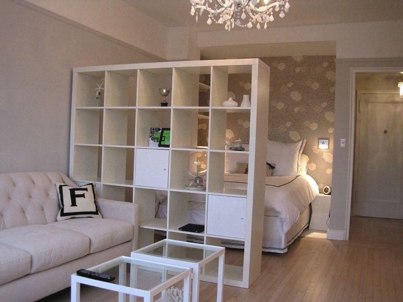 17 ideas for decorating small apartments tiny spaces for Small studio apartment space