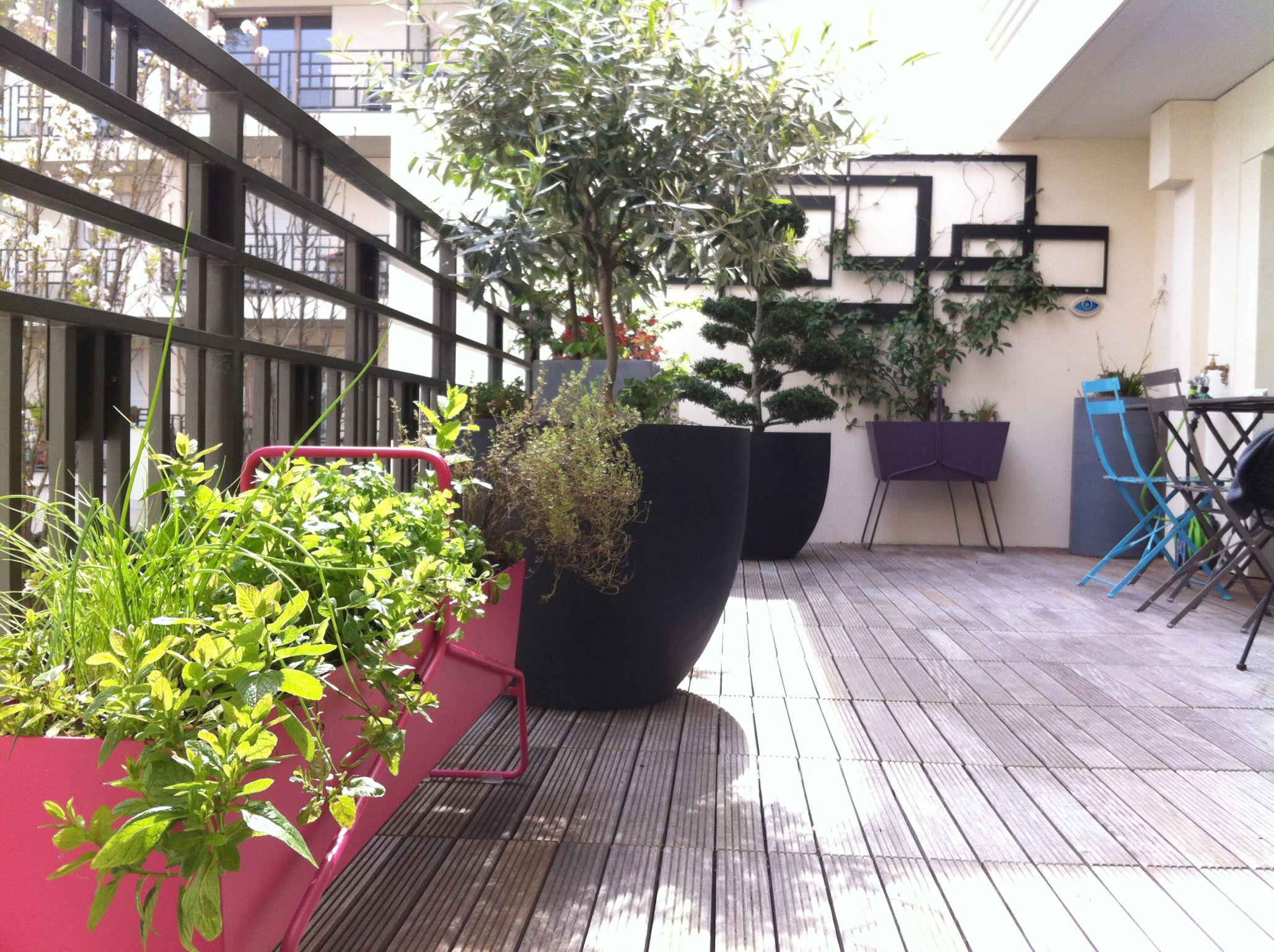 Une petite terrasse pop aménagée par Balcoon | - | Pinterest ...