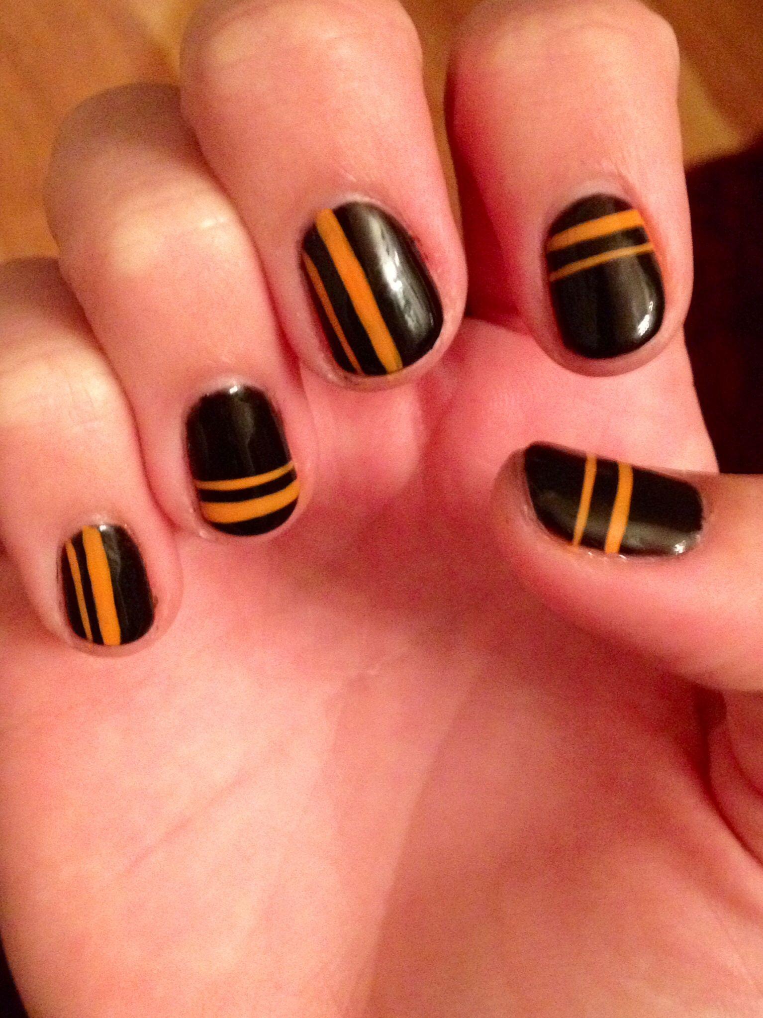 Orange and black shellac Halloween nails | Nail art ...