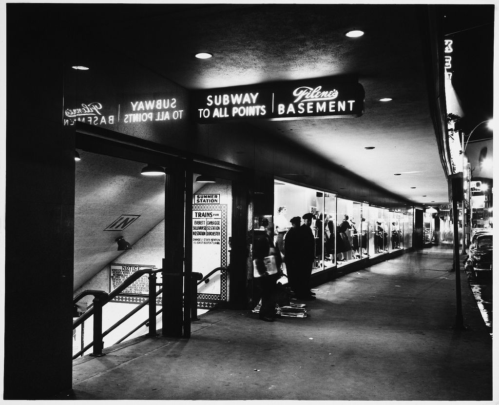 Subway Entrance To Summer Station And Filene S Basement Washington Street At Filene S Department Store Boston History Boston Skyline Washington Street