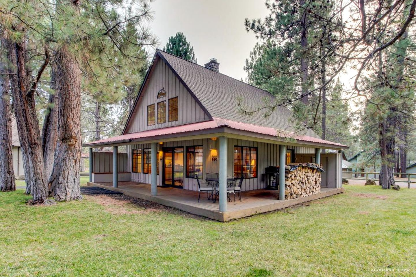 Modern Cabin in the Woods near Deschutes River in Sunriver, Oregon #polebarnhomes