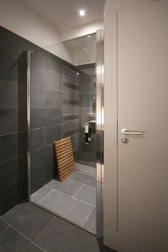 Maison de montagne - Atelier Joseph - Salle de bain ardoise grise ...