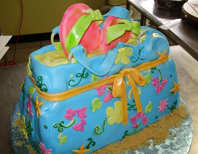 Beach bag and flip flops | Fondant and Cake