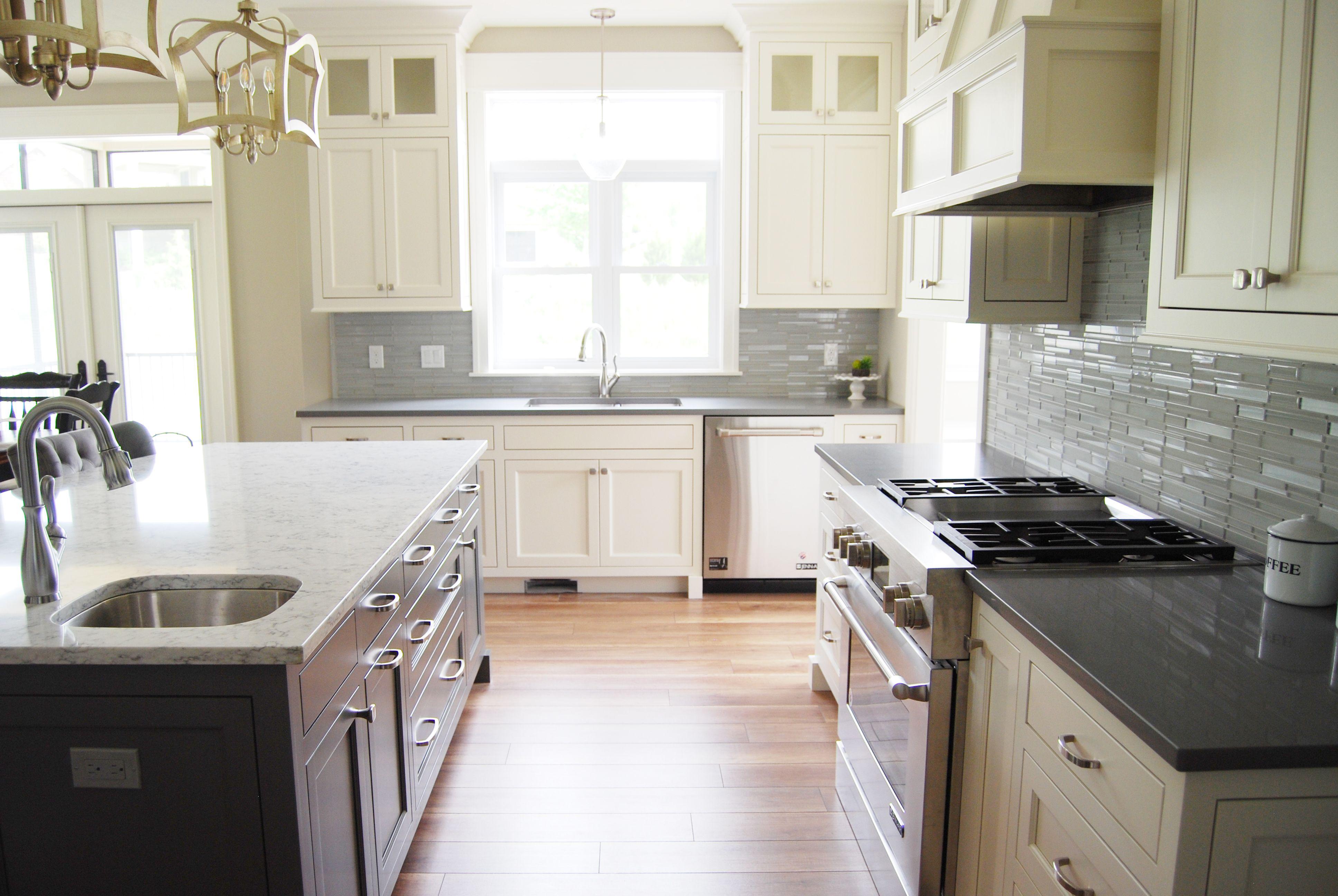 LG Minuet and ColorQuartz Concrete Gray   PGS Kitchens   Pinterest ...