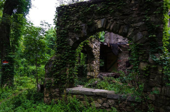 10 Hidden Places In Connecticut Only Locals Know About Hidden Places Connecticut Travel Fall In Connecticut