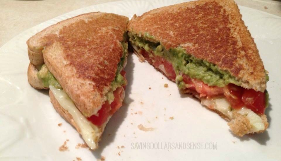 grillet avocado tomat og pepperjack