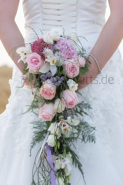 Brautstrauss Hochzeitsfloristik Von Schubberts De Wasserfall Pastell
