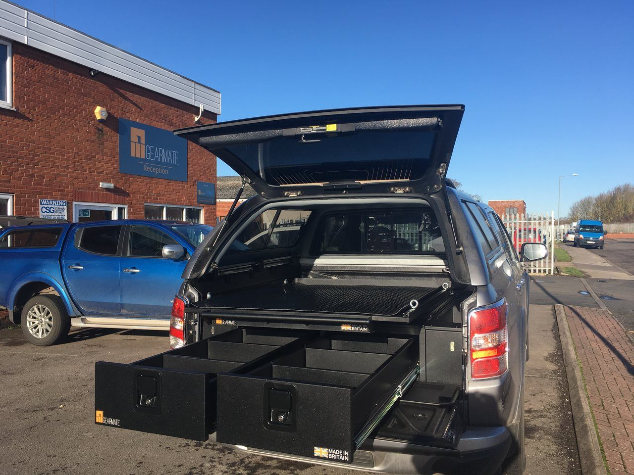 Mitsubishi L200 with Gearmate with 226MM Twin Drawers