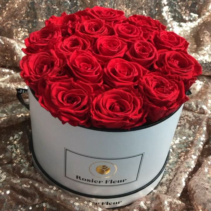 Roses That Last All Year Www Rosierfleur Com Preservedroses Homedecor Homeinspo Flowerarrangements Video Preserved Roses Pretty Roses Bridemaids Gifts