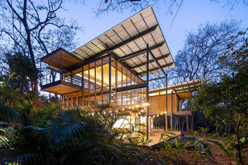 Studio Saxe Brings Costa Rica S Landscape To The Interior Of The Jungle House Jungle House Roof Architecture Houses In Costa Rica