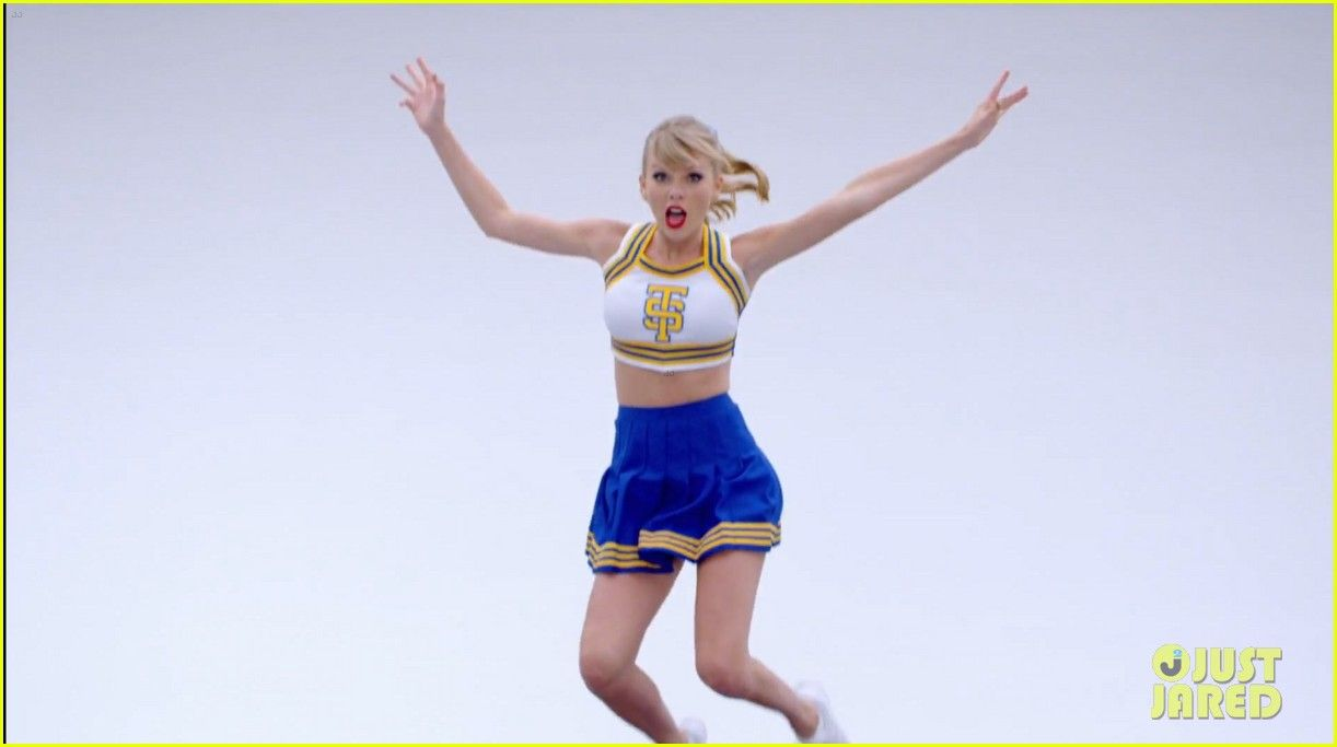 Taylor Swift Shake It Off Music Video Watch Now Taylor Swift Shake It Off Music Video 03 Taylor Swift Videos Photos Of Taylor Swift Taylor Swift Music