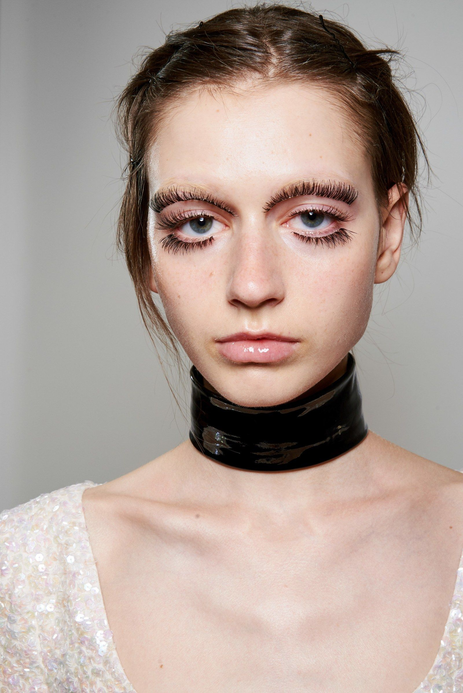 The Top 7 Beauty Trends From The Spring 2020 Runways With Images