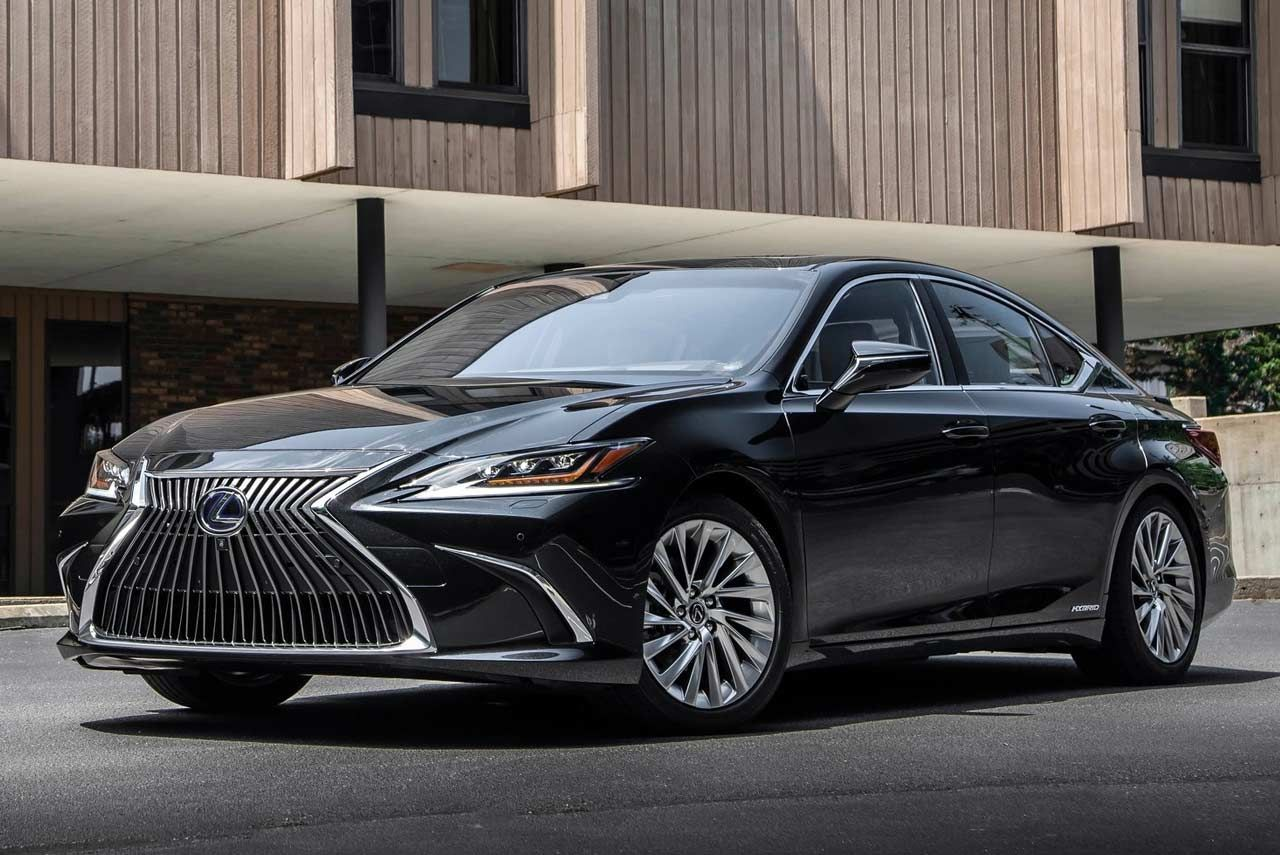 Lexus Has Introduced The Seventh Generation Lexus Es In India It Is Available In The Hybrid Electric Es 300h Variant Priced At Lexus Es Top Luxury Cars Lexus
