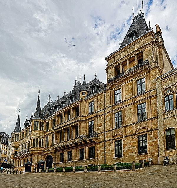 Luxembourg City Tour: Our Neighbour: Luxembourg