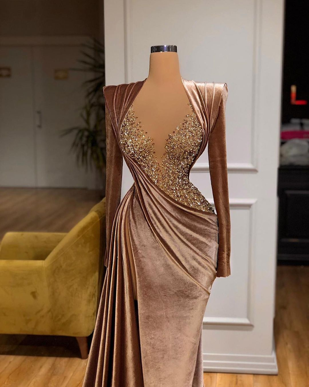 Stunning Valdrin Sahiti Custom Couture Gown Find The Perfect Gown With Pageant Planet Browse All Of Our Beaut Ellegant Dresses Prom Girl Dresses Glam Dresses