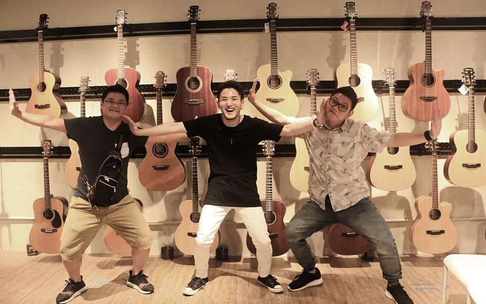 Seiji Igusa  & aNueNue Seiji Igusa Custom Bird Guitar / HP: http://www.igusaseiji.com / Facebook: https://www.facebook.com/seiji.igusa /  #aNueNue #BirdGuitar