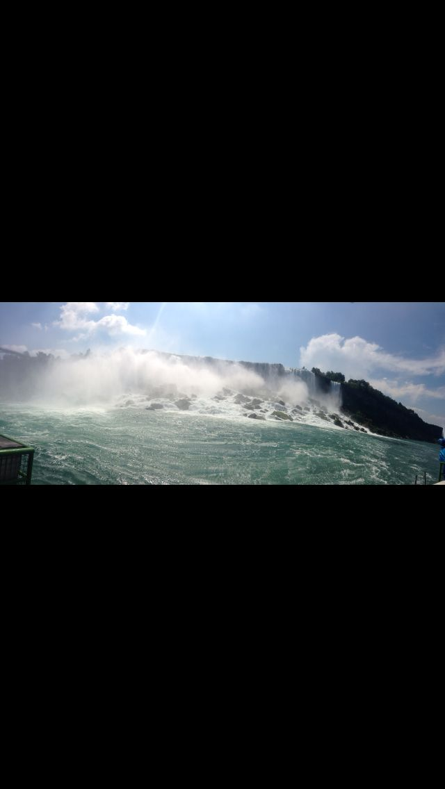 When i went to visit niagara falls in canada (i like to travel)