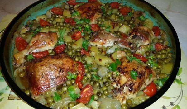 Апетитно #пиле с #грах и картофи От Сия Рибагина http://recepti.gotvach.bg/r-48970