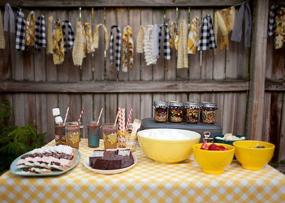 Are you hosting a backyard bonfire party this summer? Super sweet trail mix favors by Elsie Larson of A Beautiful Mess: