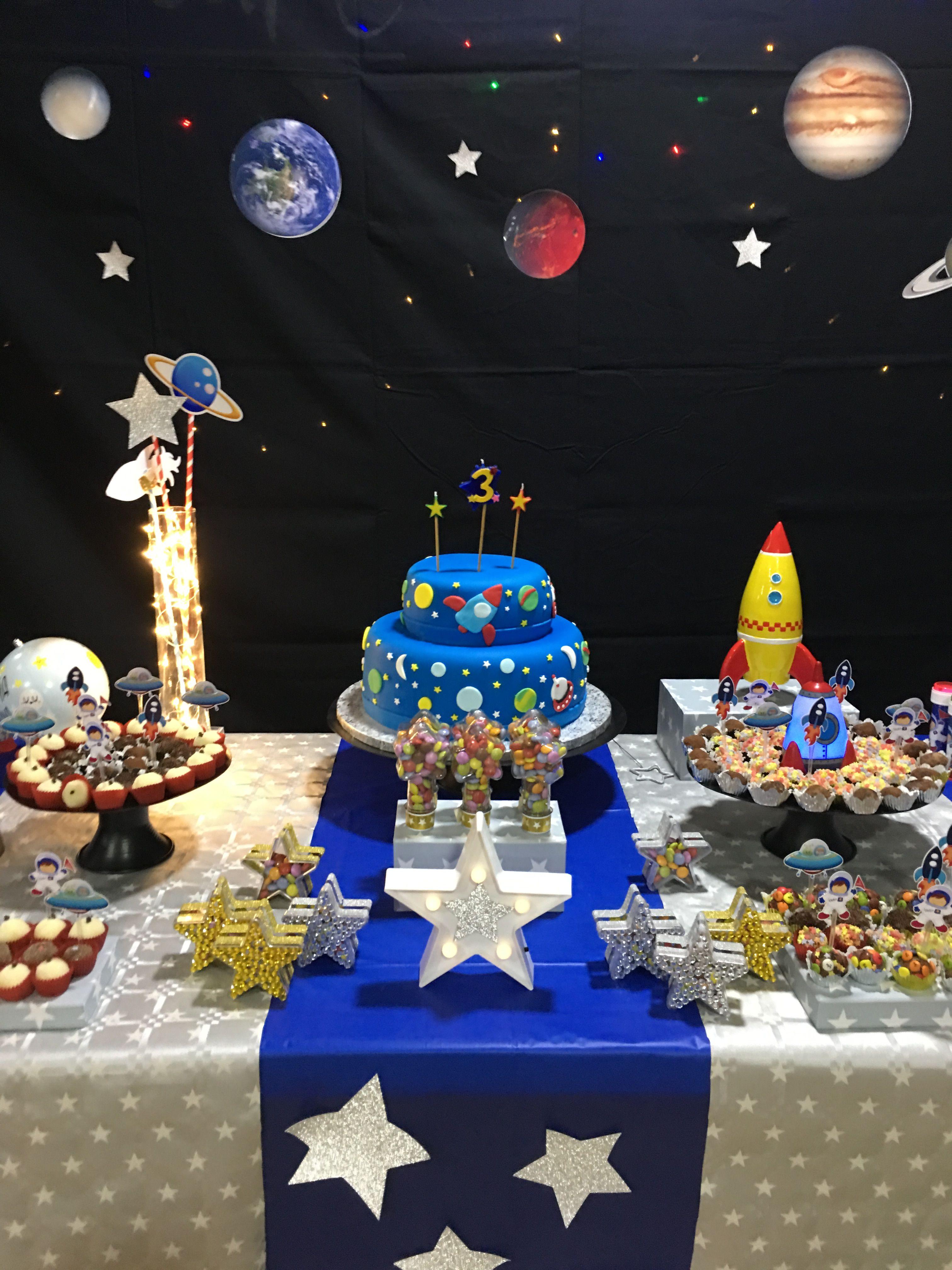 Un super gâteau NASA avec une navette spatiale! A super