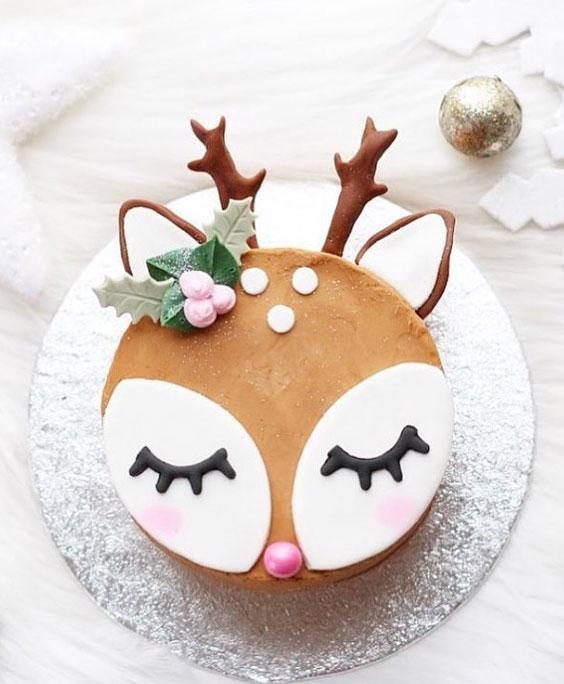 Von Drauss Vom Walde Susses Reh Oder Rentier Drauss Oder Reh Rentier Susses Vom Von Walde In 2020 Reindeer Cakes Christmas Cake Decorations Christmas Cake