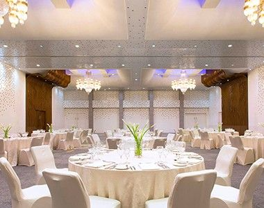 Pin by boudinar wedding planner on boudinar wedding planner ballroom at 5 star hotel le meridien jakarta hotel this hotels address is jalan jenderal sudirmankav 18 20 sudirman jakarta 10220 and have 396 rooms junglespirit Image collections