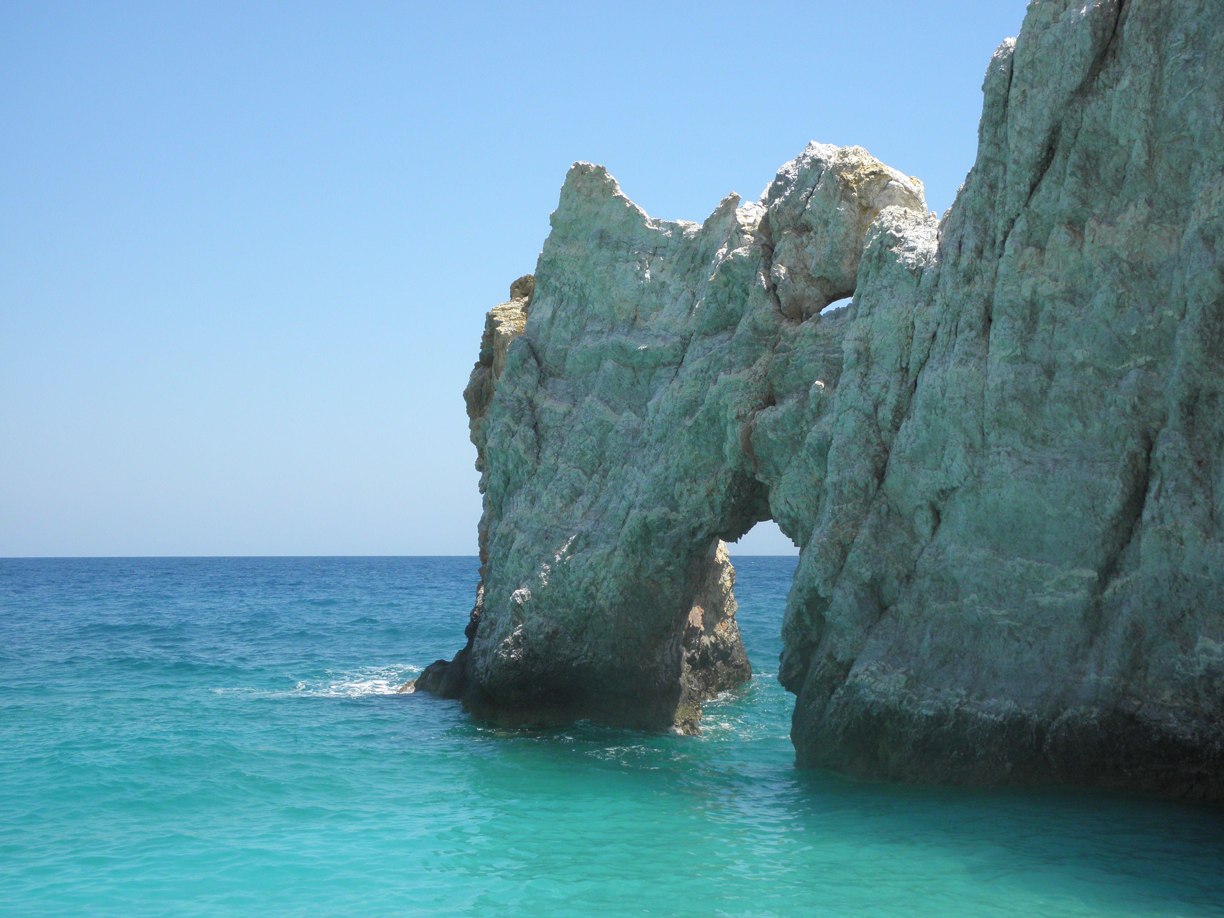 The arch at lalaria beach udududududududududududududududududududud