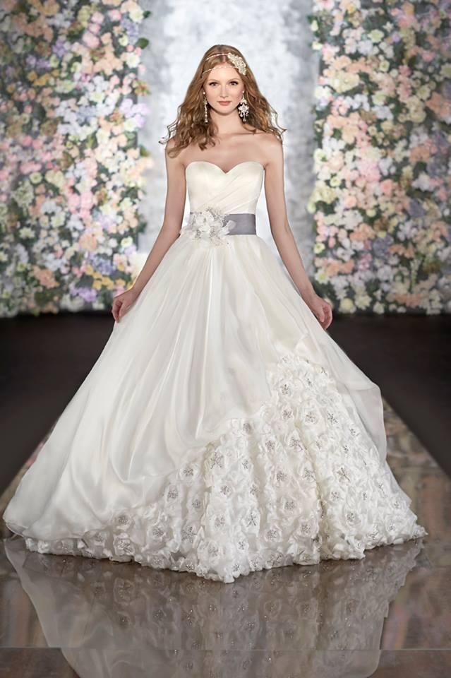 classic wedding dresses 2014