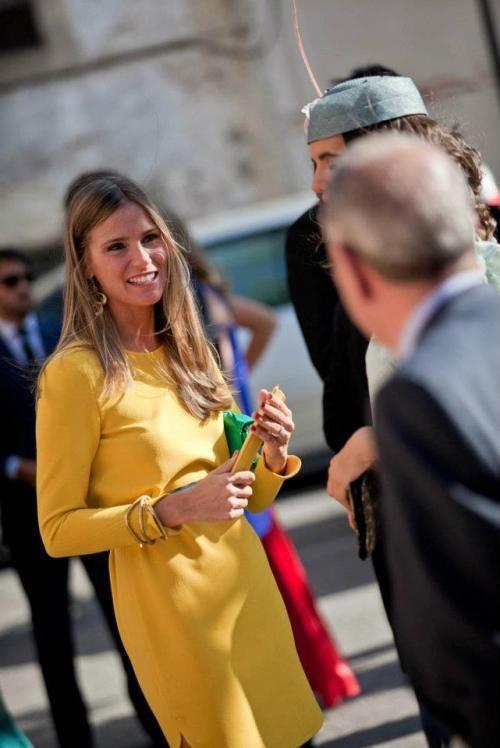 e8714db5e vestido mostaza | Invitadas en 2019 | Vestidos, Boda y Vestido mostaza