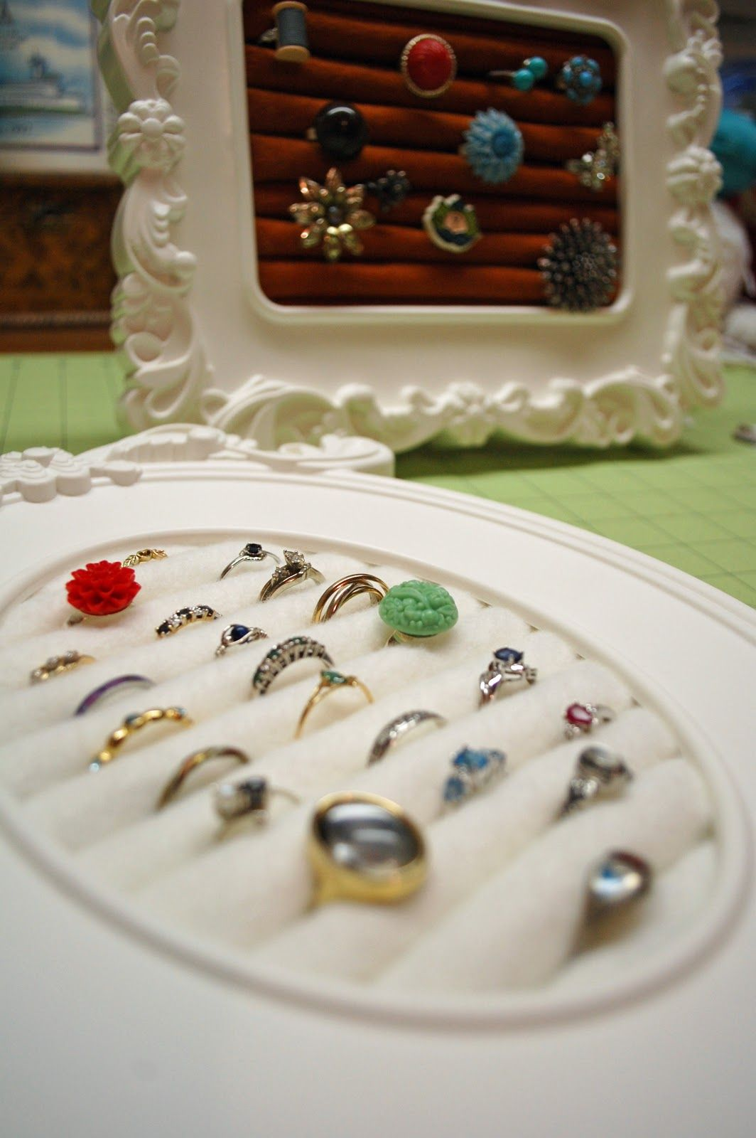 Necklaces tangled earrings lost heres how to store all of your heres how to store all of your jewelry ring displaysjewelry displaysjewelry storage displayjewelry framesdiy solutioingenieria Images