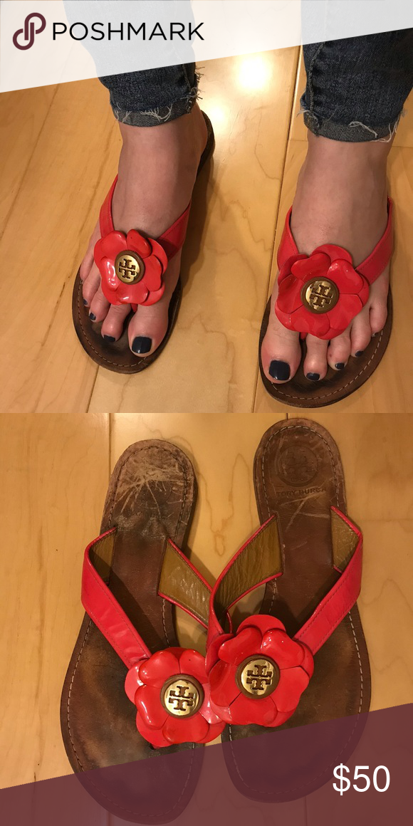 5fafbb55748849 Authentic Tory Burch Flower Sandals  pleas ignore my pregnant swollen feet   Selling these preowned