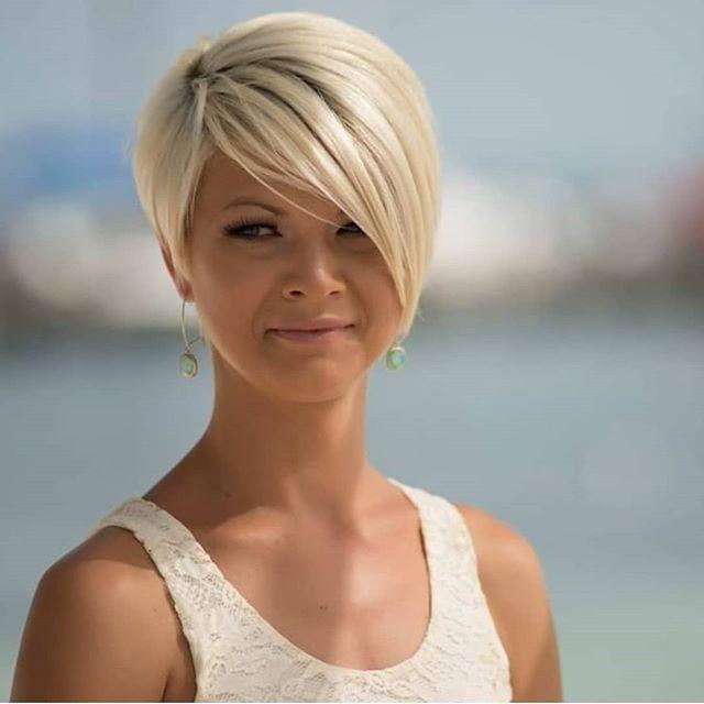 60 Neuer Trend Der Kurzhaarfrisuren Blondine In 2020 Frisuren Feines Haar Kurzhaarschnitte Haarschnitt Kurz
