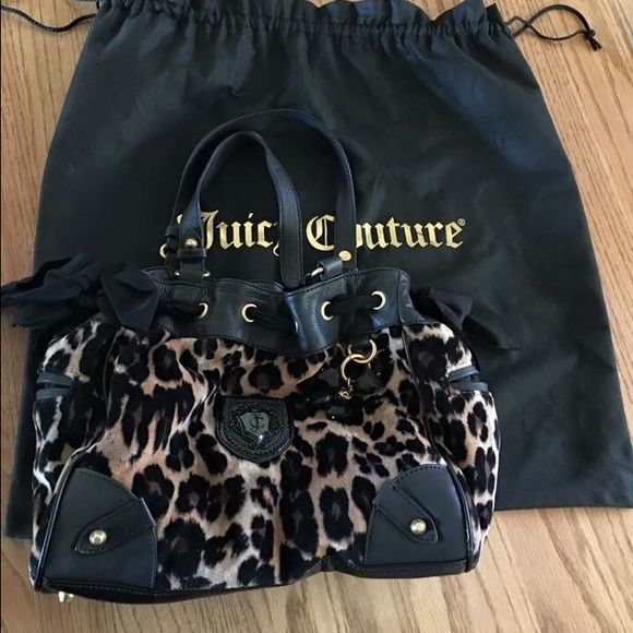 Juicy couture daydreamer Used condition. Authentic Juicy couture day dreamer bag. Comes with dust bag. Juicy Couture Bags Totes