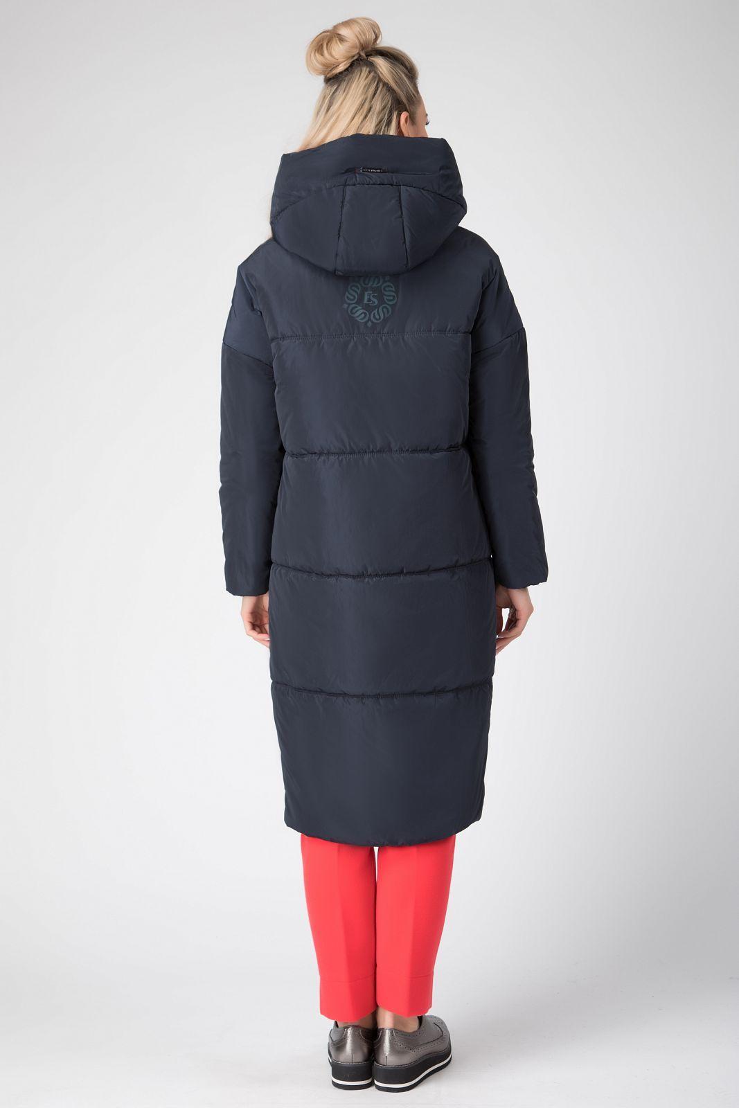 a2f199a5839 Стеганое пальто на синтепоне из плащевой ткани. Длина ниже колена. На спине  термопечать в