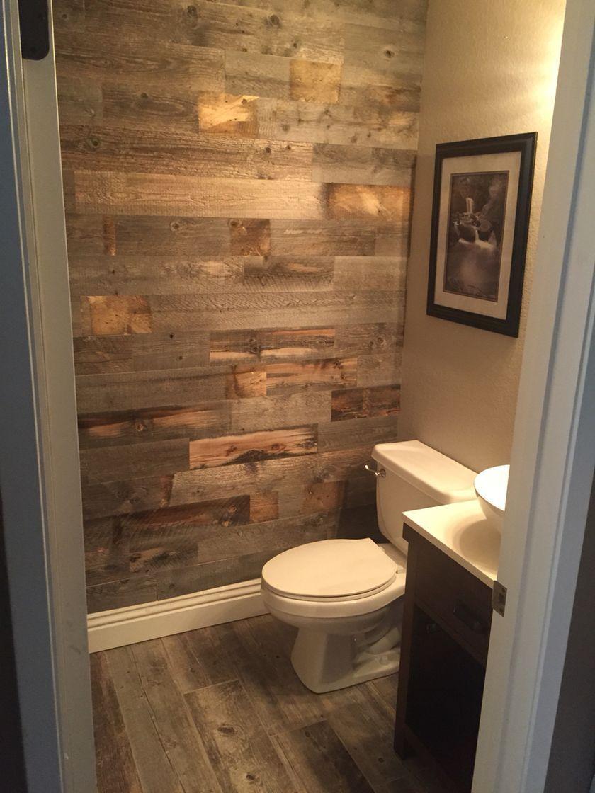 Rustikales Kleines Bad Mit Holz Dekor Design, das Sie