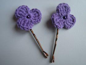 Patroon klein gehaakt bloemetje met drie blaadjes