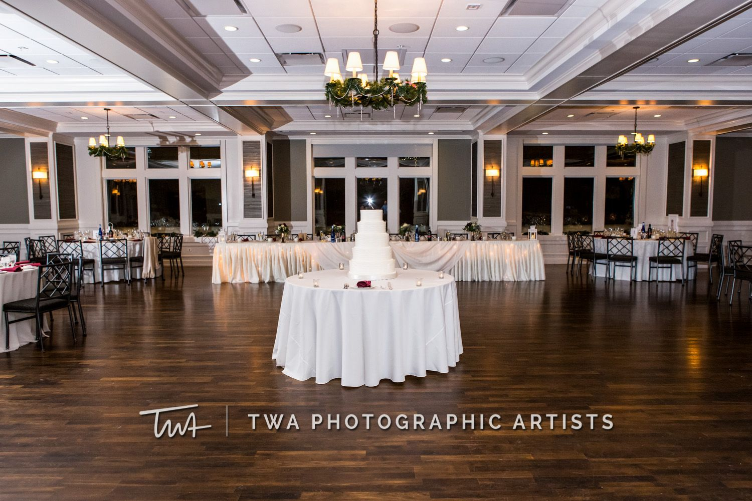 Twa Photographic Artists Weddings At Chevy Chase Click The Photo To See Our Website Chevy Chase Country Club Country Club Wedding Photographic Artist