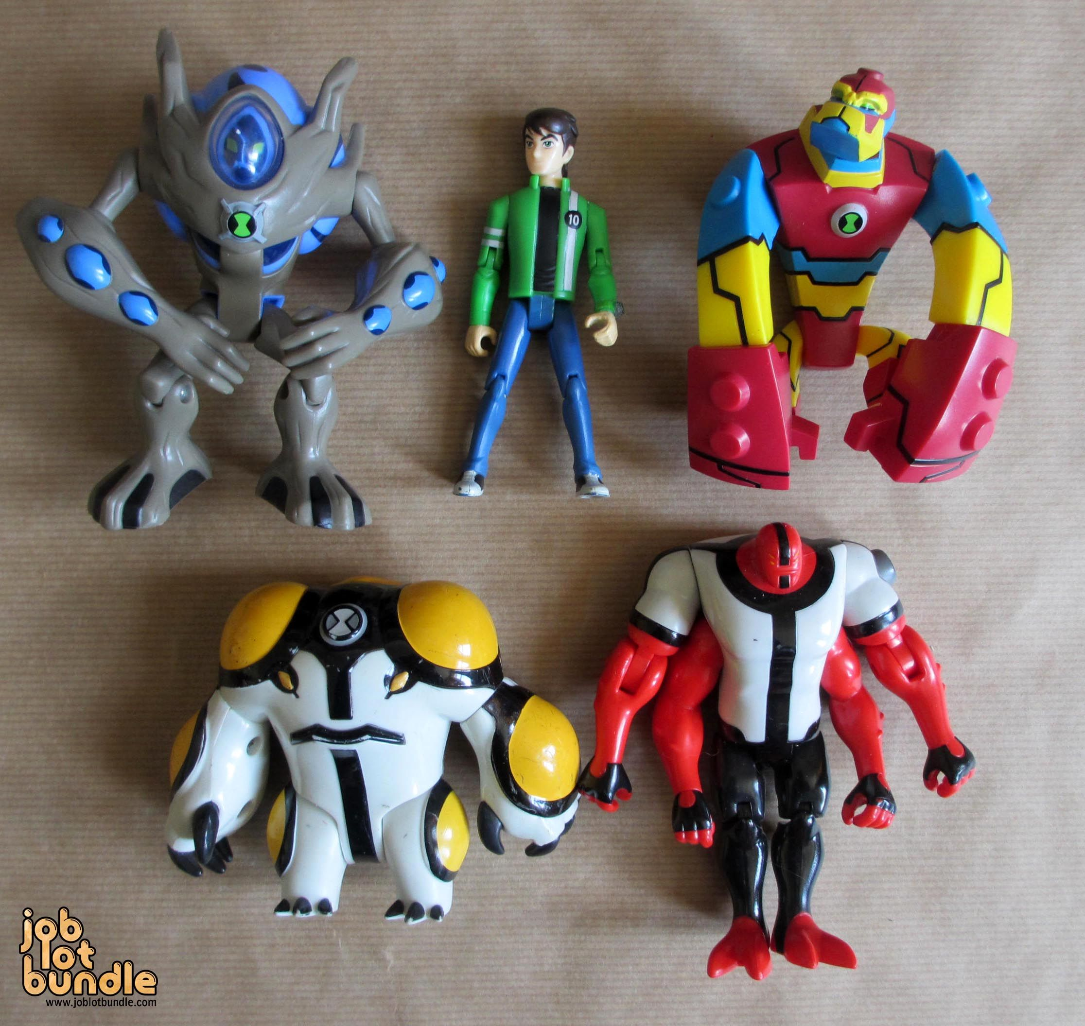 Ben 10 Action Figure Bundle Bloxx Ultimate Swampfire