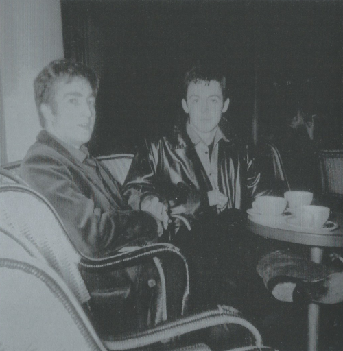 Scan John Lennon and Paul McCartney, Paris, October 1961