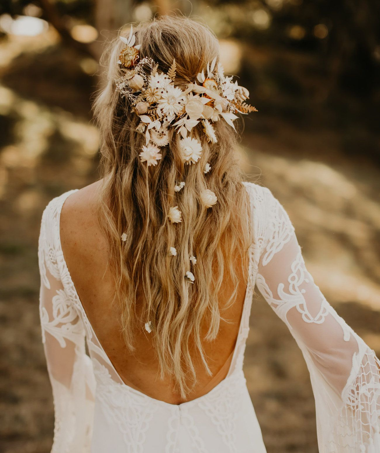 Relaxed Outdoor Wedding Vibes With 1970 S Inspiration Dried