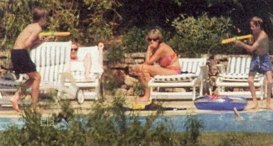 July 1996 Sarah organises a holiday for herself and Diana and their children, staying at a friends a Villa in France.