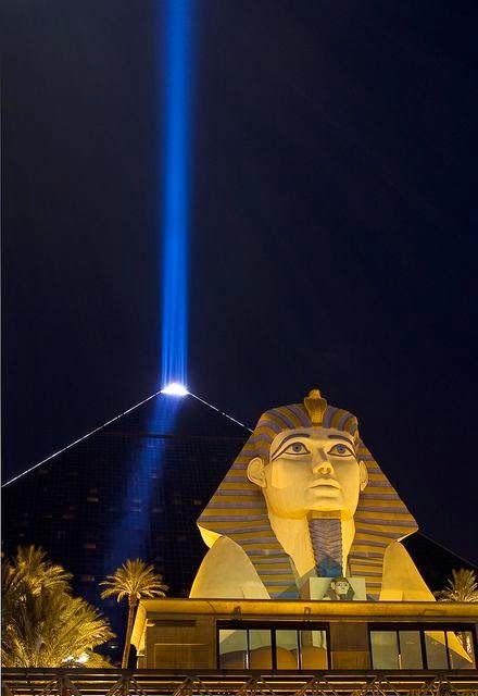Luxor Hotel & Casino, Las Vegas, Nevada on the Vegas Strip, Nevada, USA. @ Night