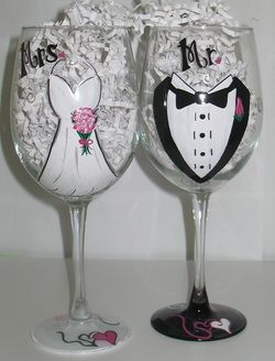 Hand Painted Personalized Wine Glasses And Other Gifts For The Painted Wine Glasses Bride Hand Painted Wine Glasses Wine Glass Designs