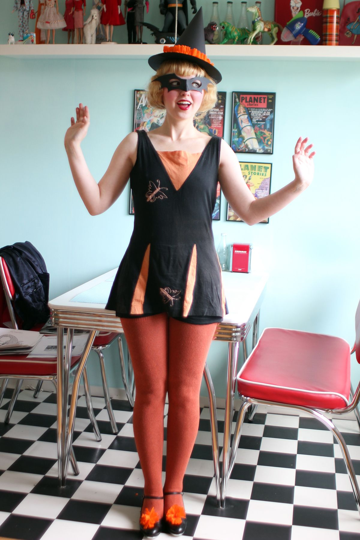 Super cute and simple vintage witch costume. | Vintage Witches ...